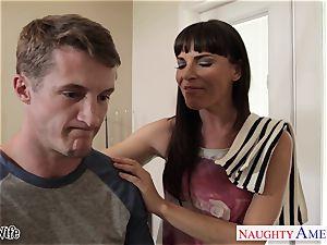 bombshell housewife Dana DeArmond gets facialized in pov