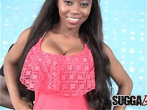 stunning ebony babe screws her sugar-daddy