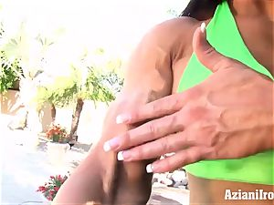 vag pumping nub joy with a sexy strong gals