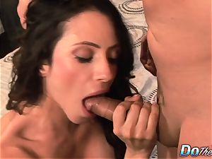 hotwife wifey Ariella Ferrara poke dude