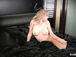 fabulous Brett gets completely nude