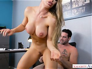 Nicole Aniston plumbing at work
