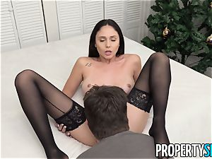 PropertySex Ariana Marie loving The Christmas fuckfest