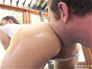 London Keyes oily shag in a gym