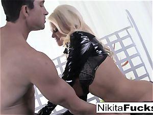 chesty Nikita penetrates a fat stiffy