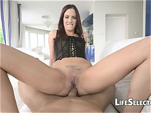 red Head luvs being screwed in the caboose - Lyen Parker