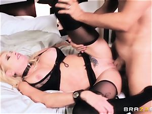 Briana Banks poked in the labia by Keiran