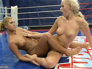 Linda Ray riding on her nude splendid rival