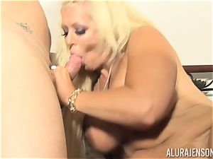 Lusty ash-blonde bombshell Alura Jenson cooter thrashed by the gardener