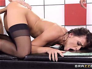 Adriana Chechik ravages three knobs at once