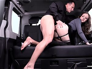 torn up IN TRAFFIC - sexy Czech honey drills in the car