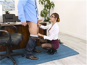 chief Jade Jantzen fellates and pulverizes a meaty dicked worker