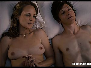 Heavenly Helen Hunt has a trimmed vagina for viewing