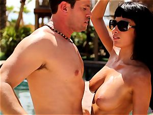 Anissa Kate unwrap her bikini to pulverize poolside